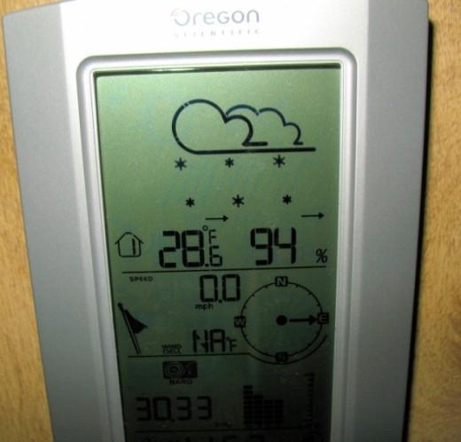 Oregon Scientific Weather Station Forecasts Snow!